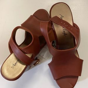 NWT, American Eagle Leather-like Wedges, Size 10